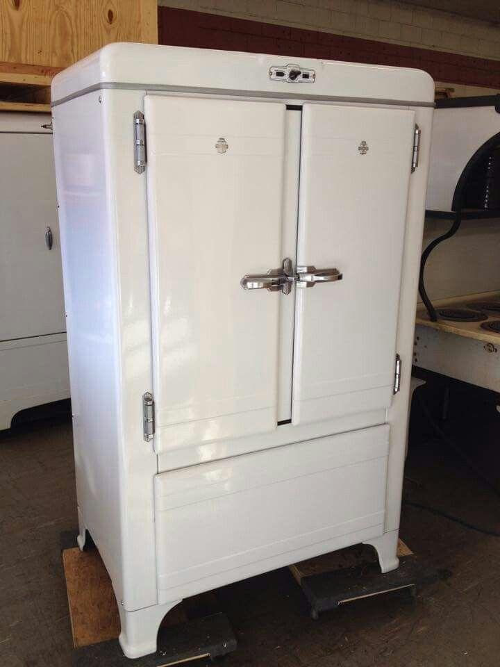 Antique Refrigerator Vintage Kitchen Vintage Appliances