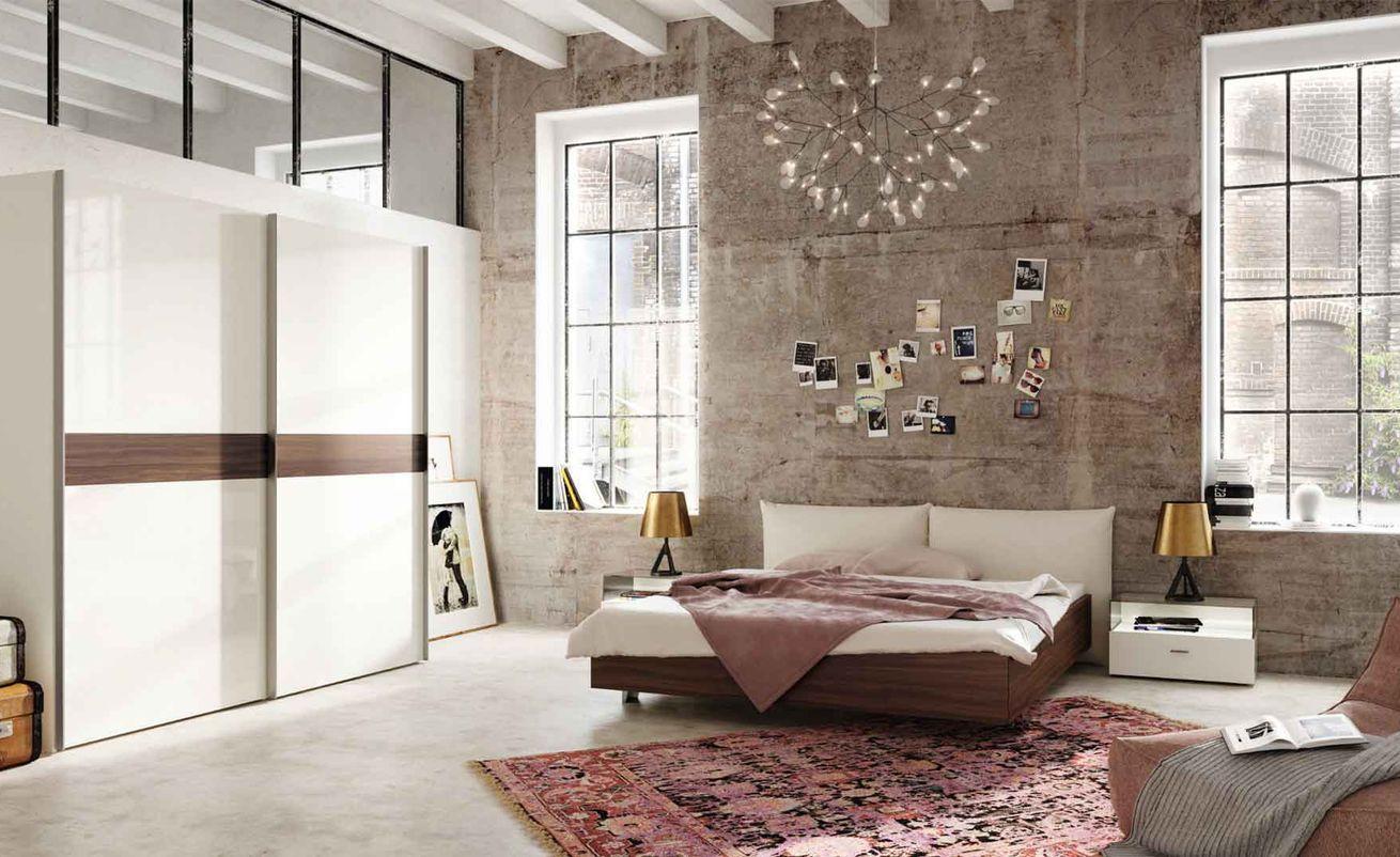Now! No.14 Schlafzimmer, Schrank und Bett in Kernnussbaum