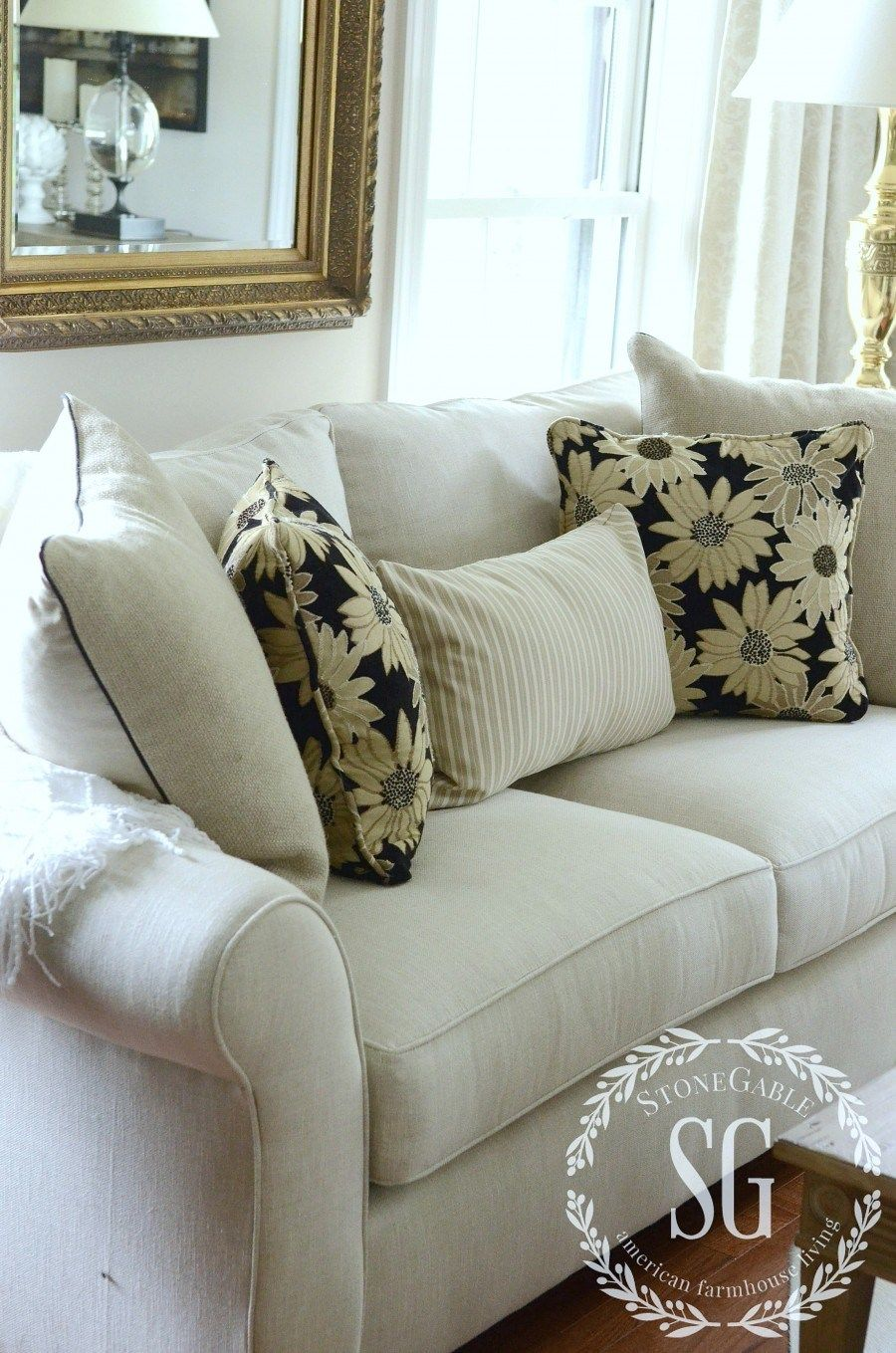 PERFECT PILLOWS-How to chose the perfect ones for your home-stonegableblog.com