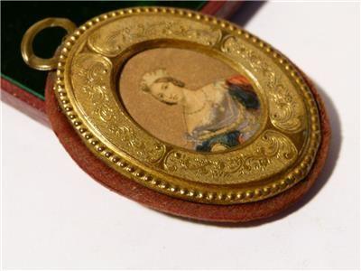 "Antique 1838 Coronation Queen Victoria "" SOUVENIR "" Pin Cushion in Box"