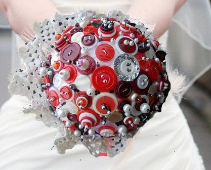 Vintage button bouquets by BulbaDesign on Etsy