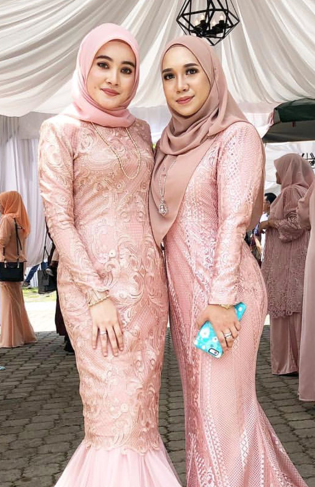 Pin By Aarif Fpf Farchip Sh On Aarf Pinterest Dress Wanita Farra Hijab Veil Gown Veils Peplum