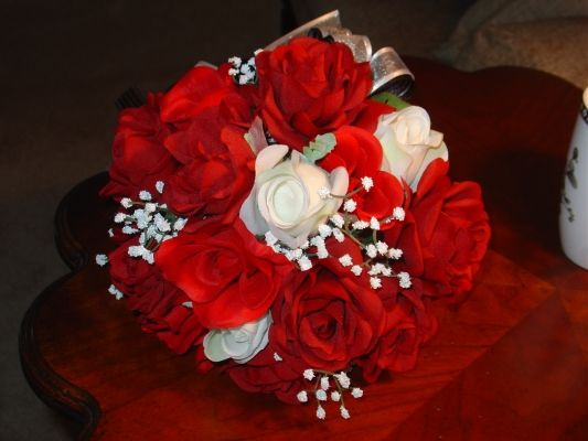 Personalized and Customized silk wreaths and flower arrangements by Jane Milner