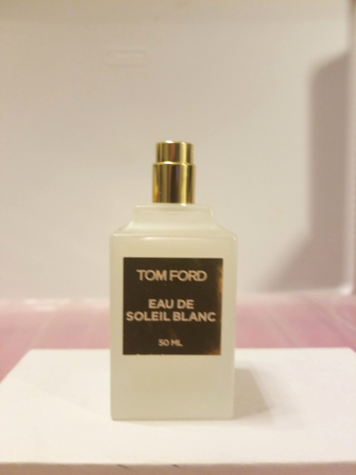 100 Authentic Tom Ford Eau De Soleil Blanc Eau De Toilette Vaporisateur Spray 50ml Or 1 7 Fl Oz This Bottle Is 99 Full Only Perfume Perfume Bottles Fragrance