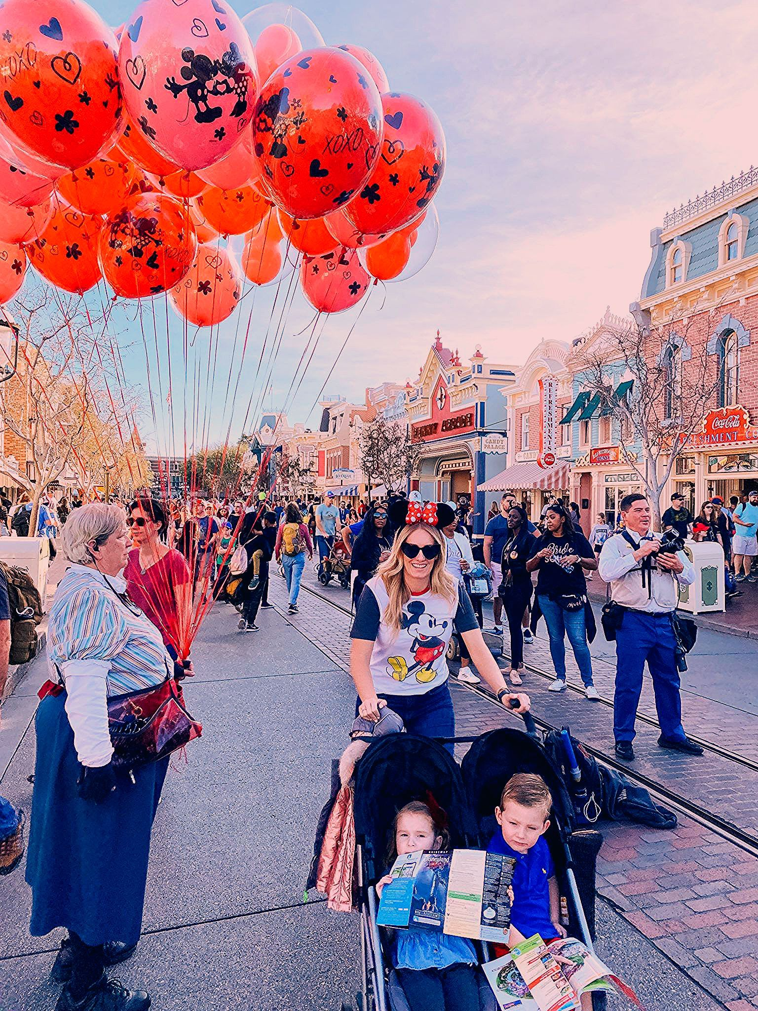 Photo of Disneyland Secrets and Tips for Families!   A Slice of Style