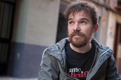 """Víctor Solano: """"El 99% de las películas que se estrenan son machistas"""" Zinentiendo se consolida como la muestra de referencia de cine LGTBQI en Zaragoza, tras diez años de proyecciones en los que miles de espectadores han disfrutado de cintas difíciles de encontrar. """"Nuestro fin es señalar que lo personal es político y para ello nos hemos servido del cine"""", dice Víctor Solano, uno de los organizadores. """"A través de las películas resistimos a los recortes y ataques a nuestra dignidad, al…"""