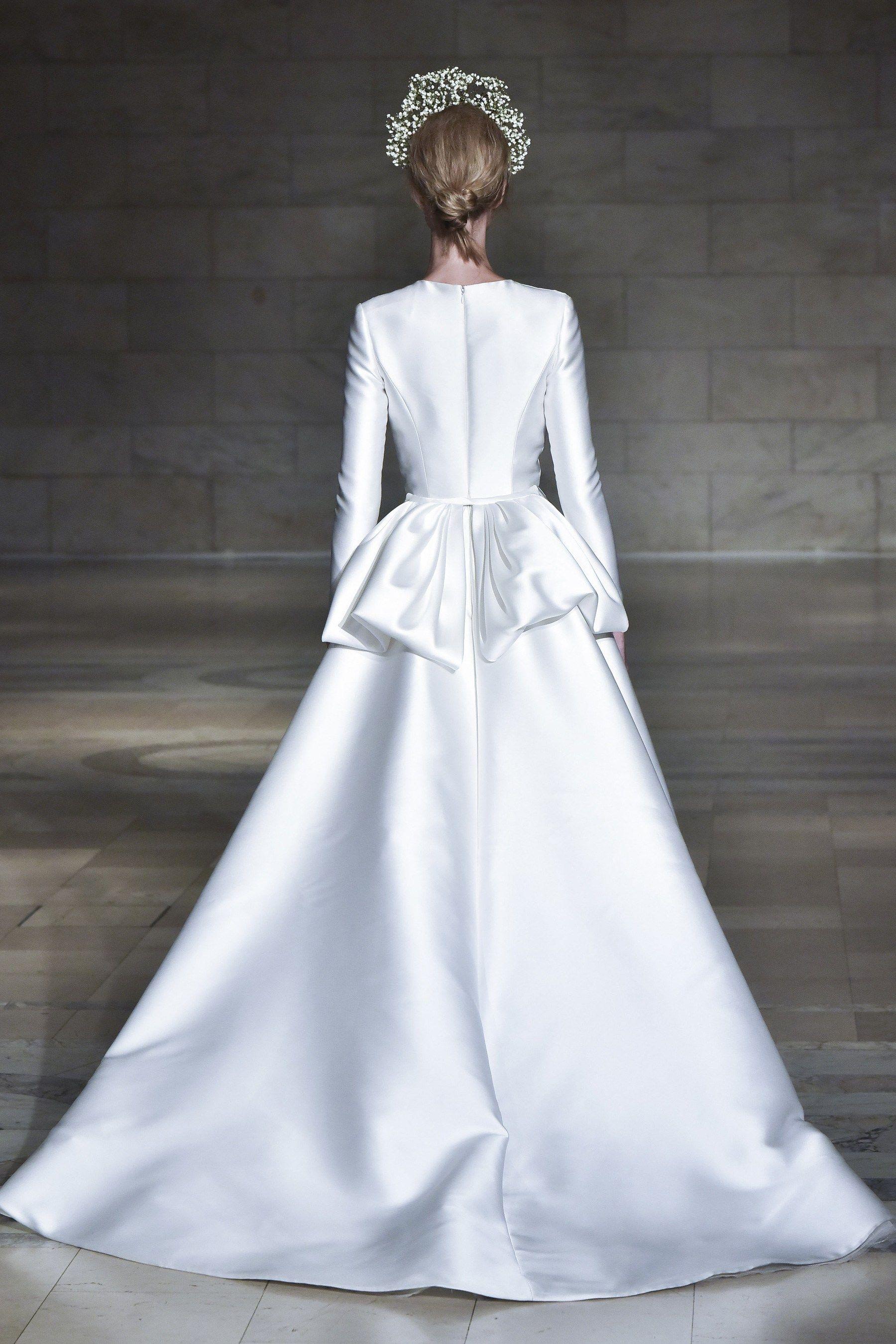 Reem Acra Bridal Fall 2018 #modest #tznius   Modest (Tznius) Wedding ...