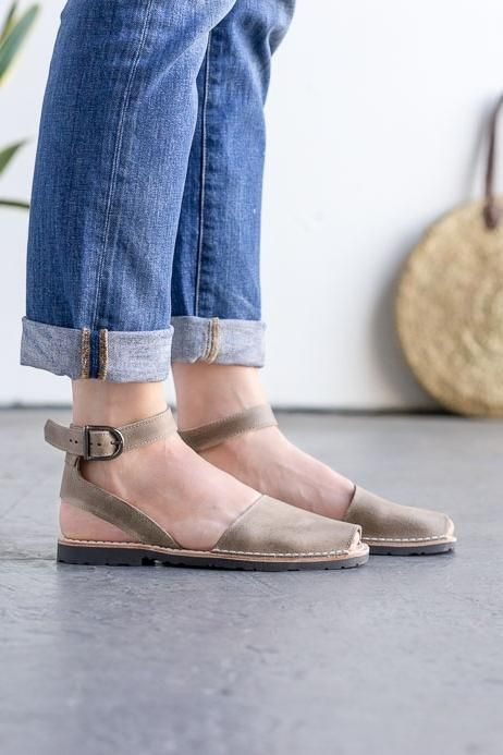 950ae014107 taupe-pons-with-ankle-strap