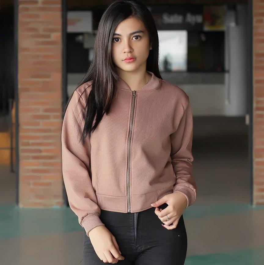 Belanja 3k Fashion Jaket Bomber Wanita - Mocha Croope Bomber - Fleece  Indonesia Murah - Belanja Jaket Bomber Wanita di Lazada. FREE ONGKIR   Bisa  COD. 428c7ce3d4