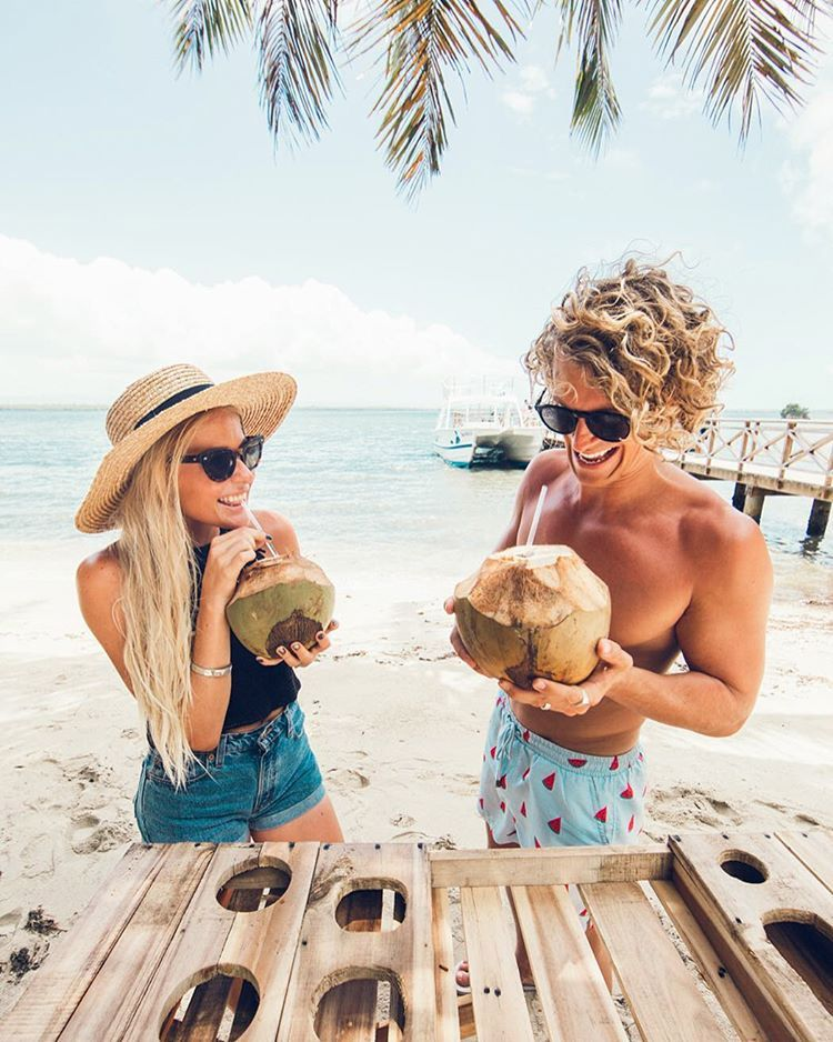 Cocos frios with our friends Hildegunn and Samuel Taipale.