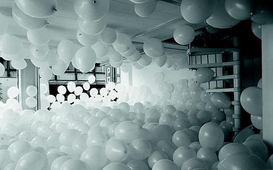 how fun would it be to run through this room in a sea of balloons