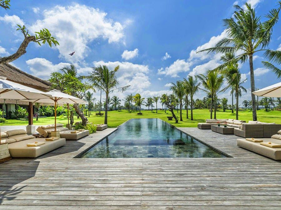 Another glorious day in bali by the poolside at villa kaba
