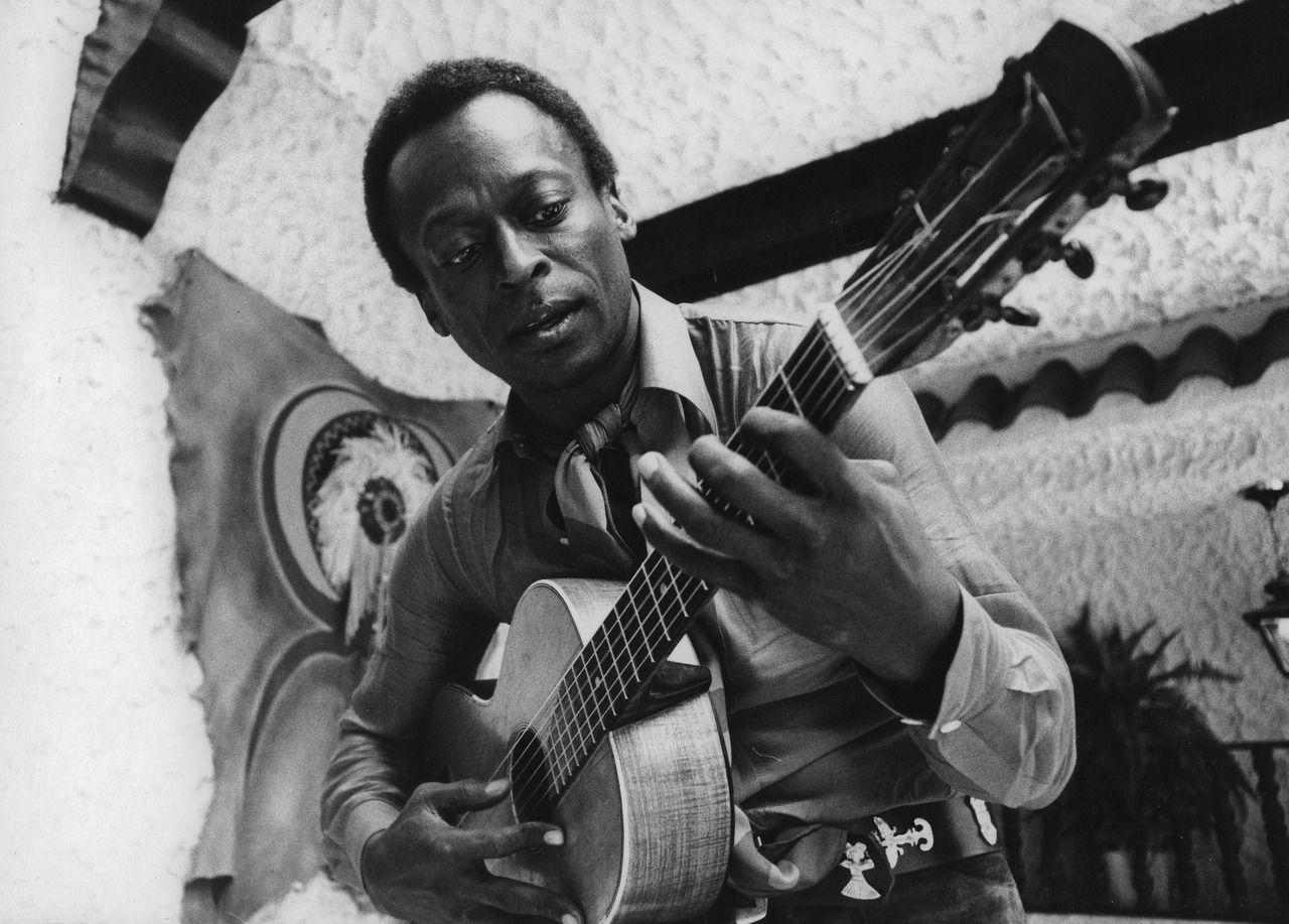 Miles Davis on Guitar Didier Leclair: Photo