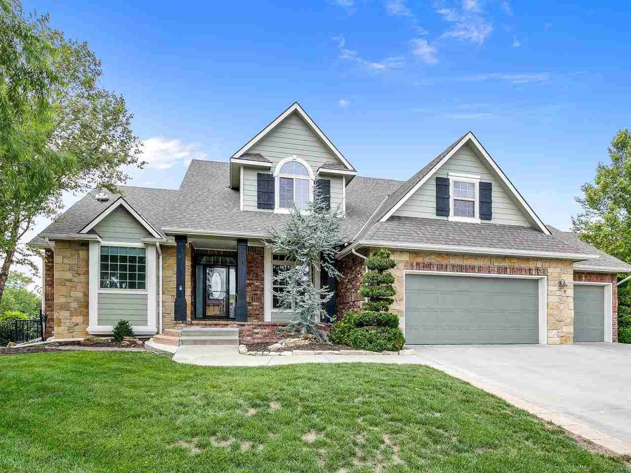 See Details For 513 N Woodridge St Wichita Ks 67206 6 Bedrooms 3 Full 1 Half Bathrooms 4276 Sq Ft Mls 555689 Courtesy Metro With Images House Styles Home House