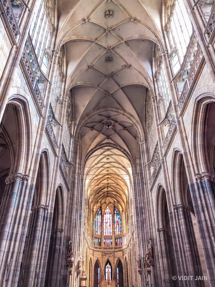 #architecture #architecturephotography #symmetry #church #europe #travelphotography #travelgram #travelblogger #beautifuldestinations