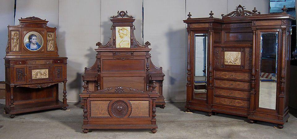 kaiserliches gr nderzeit schlafzimmer nussbaum mit medallions antik kolosseum m bel. Black Bedroom Furniture Sets. Home Design Ideas