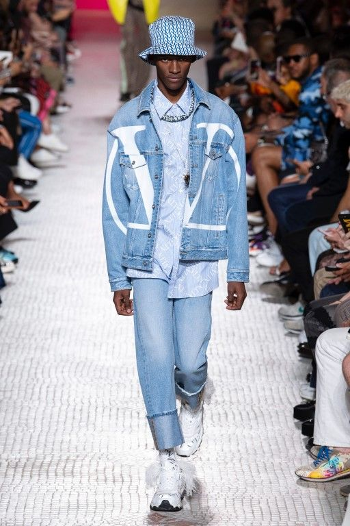Valentino Spring Summer 2019 Menswear Collection – Paris