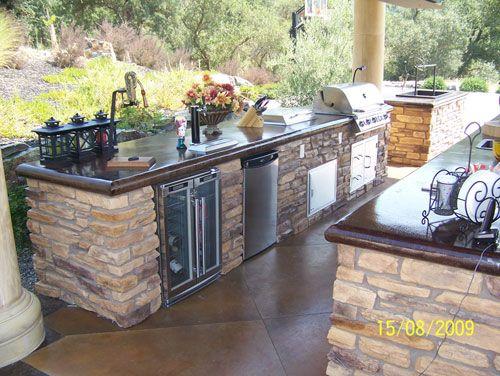 Wine Cooler Fridge Custom Bbq Island Granite Countertops Outdoor Kitchen Would Love To Bring Asadores De Patio Cocinas Al Aire Libre Chimeneas Exteriores