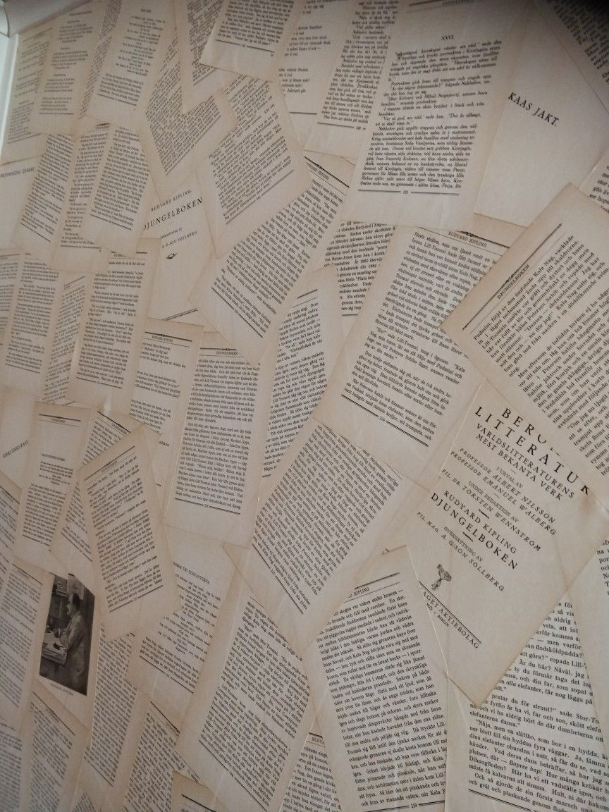Book Page Wallpaper Easy Gooey Fun And Looks Awesome Smells Funny Tho Cus Of The Old Book Book Wallpaper Diy Wallpaper Book Wall