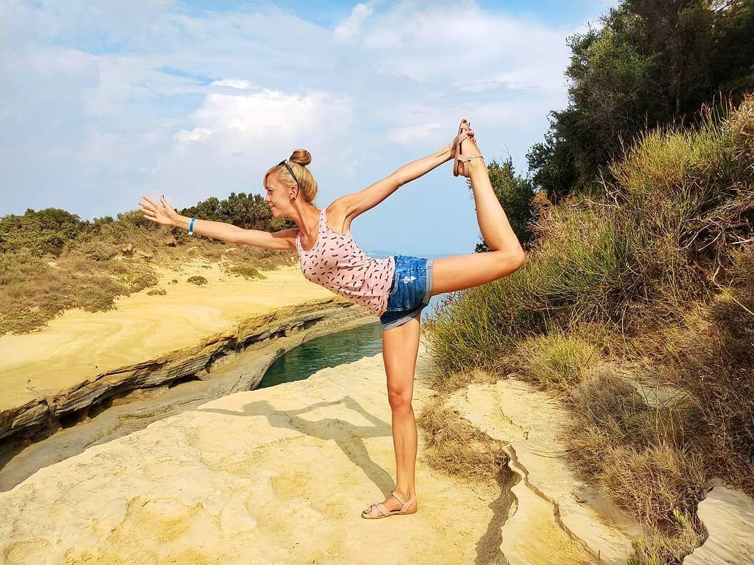 Kanał miłości na Korfu  zwiedzałam tanecznym jogowym krokiem ...   Kanał miłości na Korfu  zwiedzałam tanecznym jogowym krokiem   #joga #yoga #yogadancer #yogapose #korfu #corfu #island #klify #canal d'amore #greece #trip #travel #traveladdict #traveltheworld #yogagirl #yogainspiration #yogalife #yogaposes #yogapractice #polska #dziewczyna #girl #holidays #holidaytrip