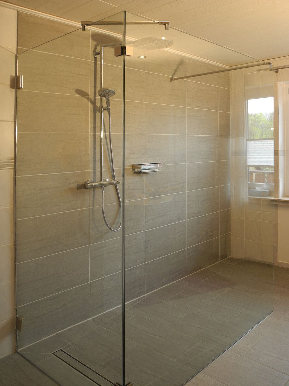 Geraumige Walk In Glasduschen Dusche Duschabtrennung