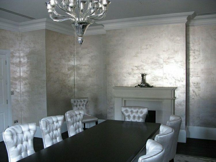 Essbereich Mit Glatten Tapeten In Silberner Optik Wohnung Design Wandgestaltung Silberne Wande