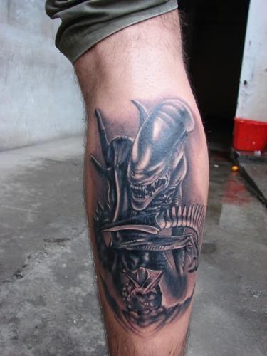 51 Deadliest Predator Tattoo Designs Ideas For Men: Alien Vs Predator Tattoo Designs