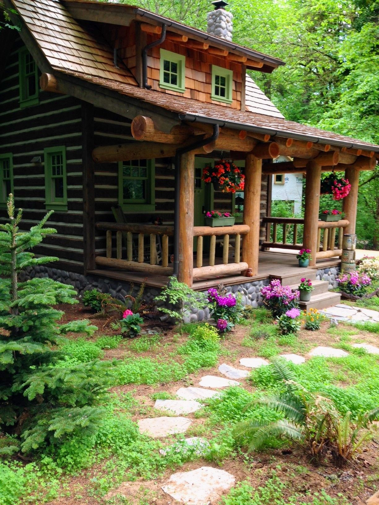 cabin with loft and large porch lake house pinterest cabin