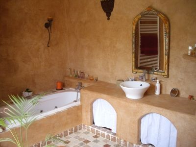 1000 images about bathroom on pinterest stone tub rain shower and master bath - Salle De Bain Marocaine Moderne