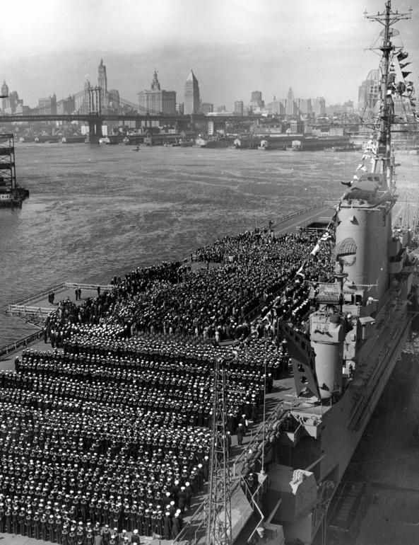 The Aircraft Carrier Franklin D Roosevelt In New York Harbor On Navy Day October 27 1945 Aircraft Carrier Us Navy Ships Navy Day