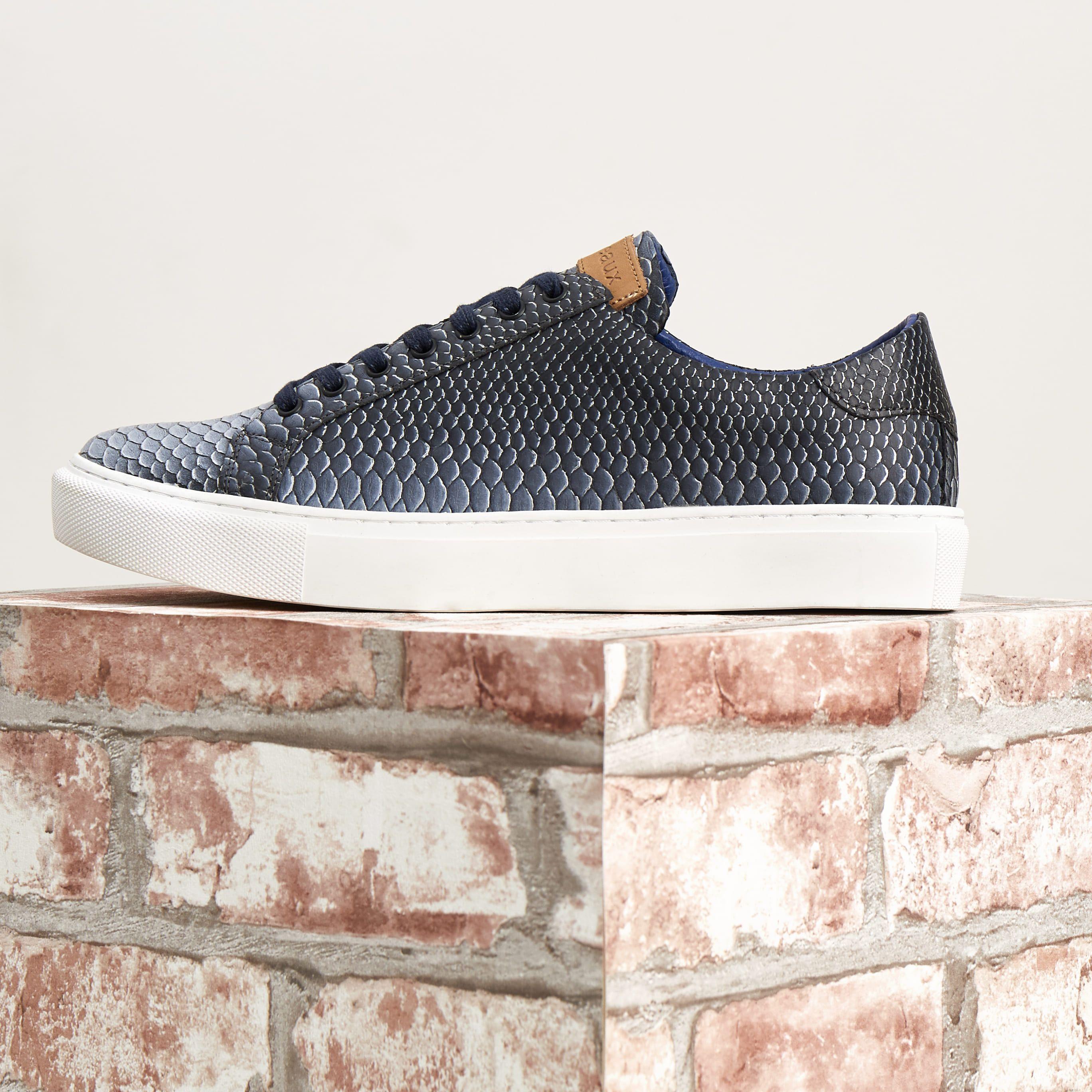 Sneaker blauw in 2020   Sneaker hoofd, Sneakers outfit