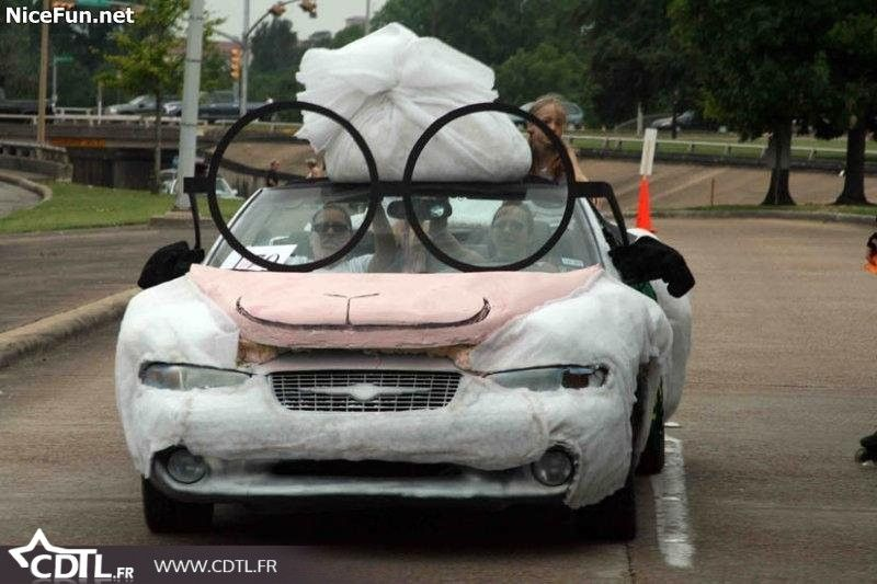 Voiture drole 1