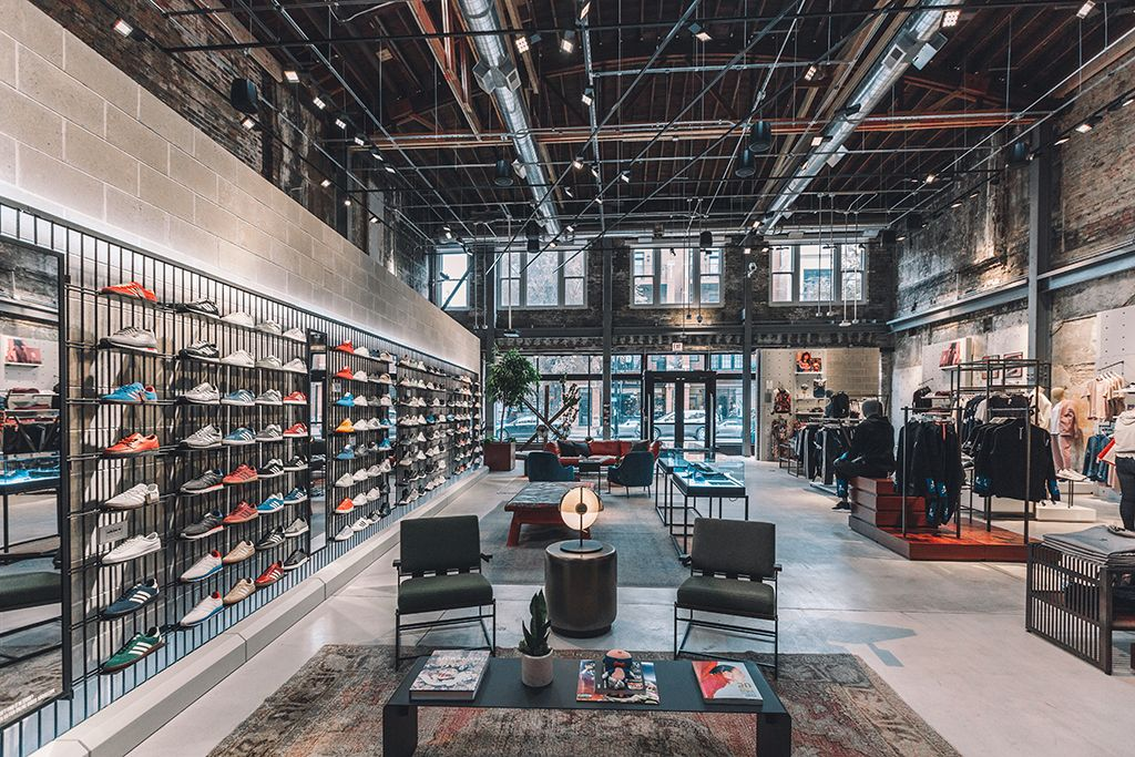 shoe stores open near me now