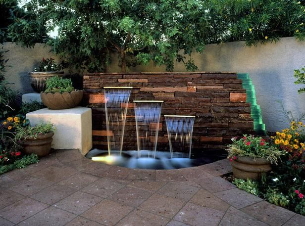 Light Play The Crystal Falls Of This Water Feature Wall Designed