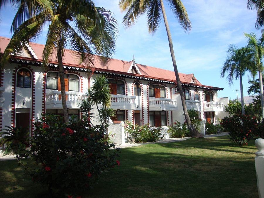 Haiti by Jacadmie Jose Ambroise architecture cote des arcadins cour haiti hotel de plage ...