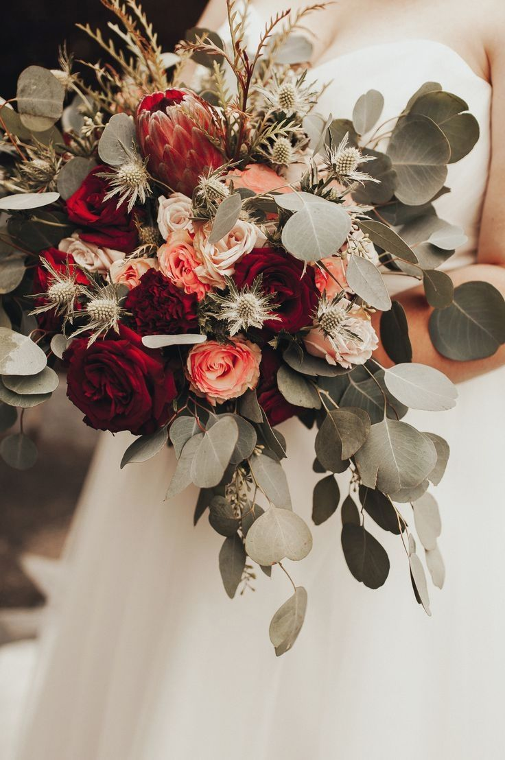 Amazing Red Wedding Bouquets #fantasticweddingbouquets