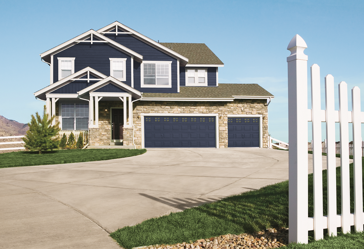 Lp Smart Siding Colors Pictures Lp Offers Very Customized Looks And These Looks Can Be Found In The Lp Blue Siding House Exterior Brick Siding