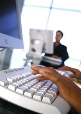 Digital eksamen   Bruk av pc på eksamen er i dag en særordning. I fremtiden vil det være penn og papir som er unntaket.