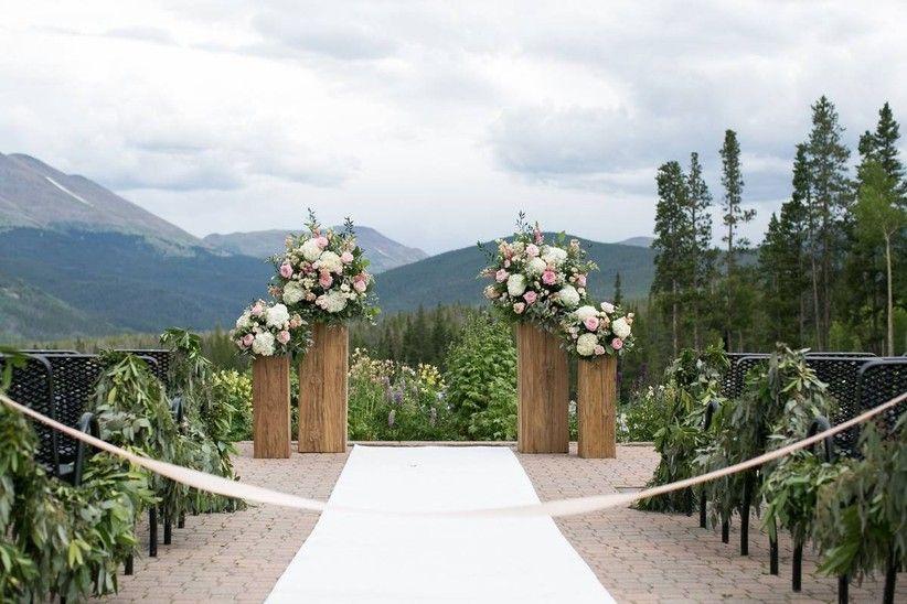 8 Breckenridge Wedding Venues For Rustic Colorado Couples Breckenridge Resort Breckenridge Wedding Venue Breckenridge Wedding