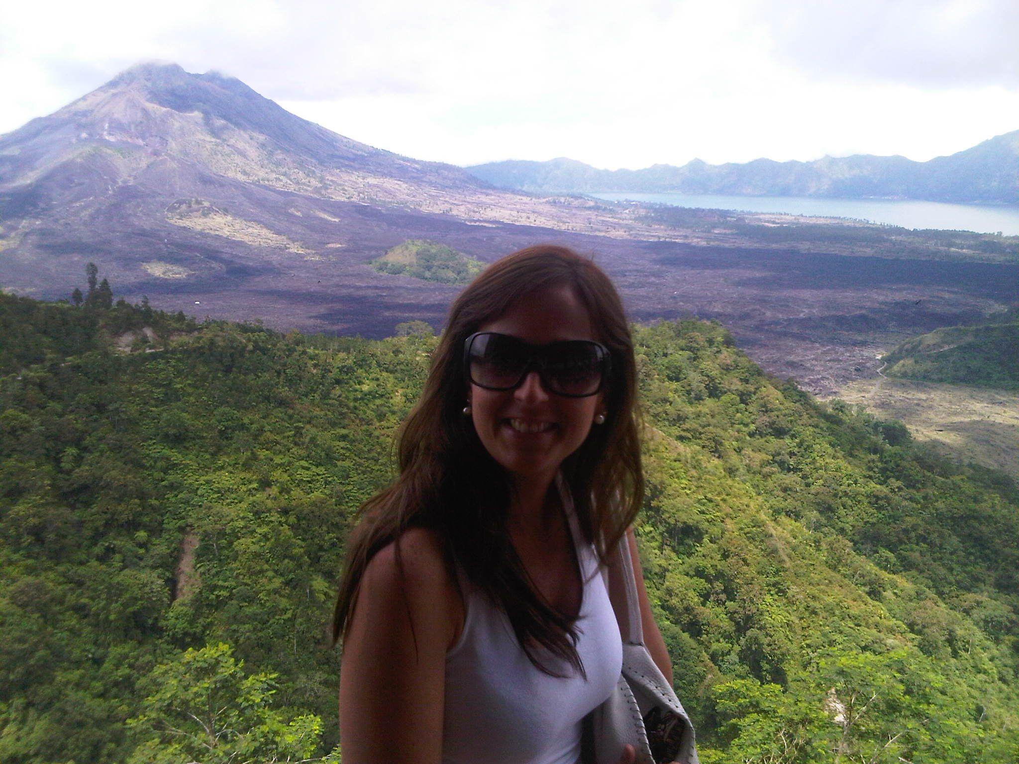 el volcán Batur en la montaña de Ubud en Bali - Indonesia