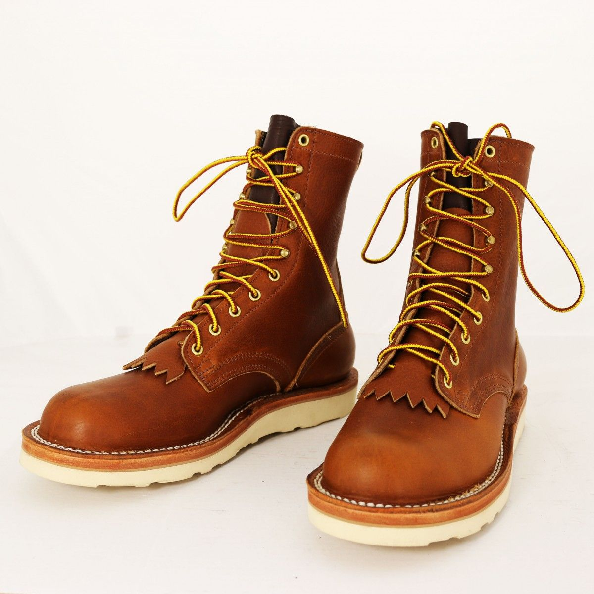 Traveler Tobacco Moderate Arch Custom boots, Boots