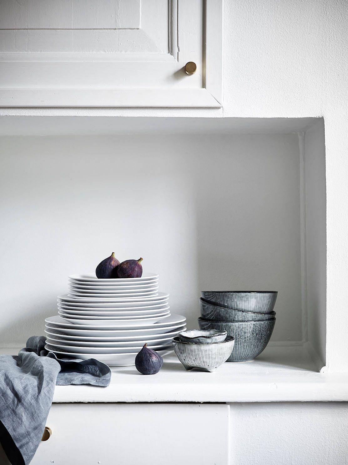 Kitchen in grey - via Coco Lapine Design Kitchen, ideas, diy, house ...