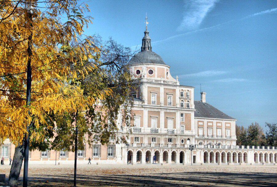 Fechas Y Horarios Tren Fresa 2015 Aranjuez Viajar A Madrid Palacios Lugares Hermosos Comunidad De Madrid