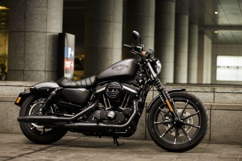 2017 2016 Harley Davidson Iron 883 First Impressions Web