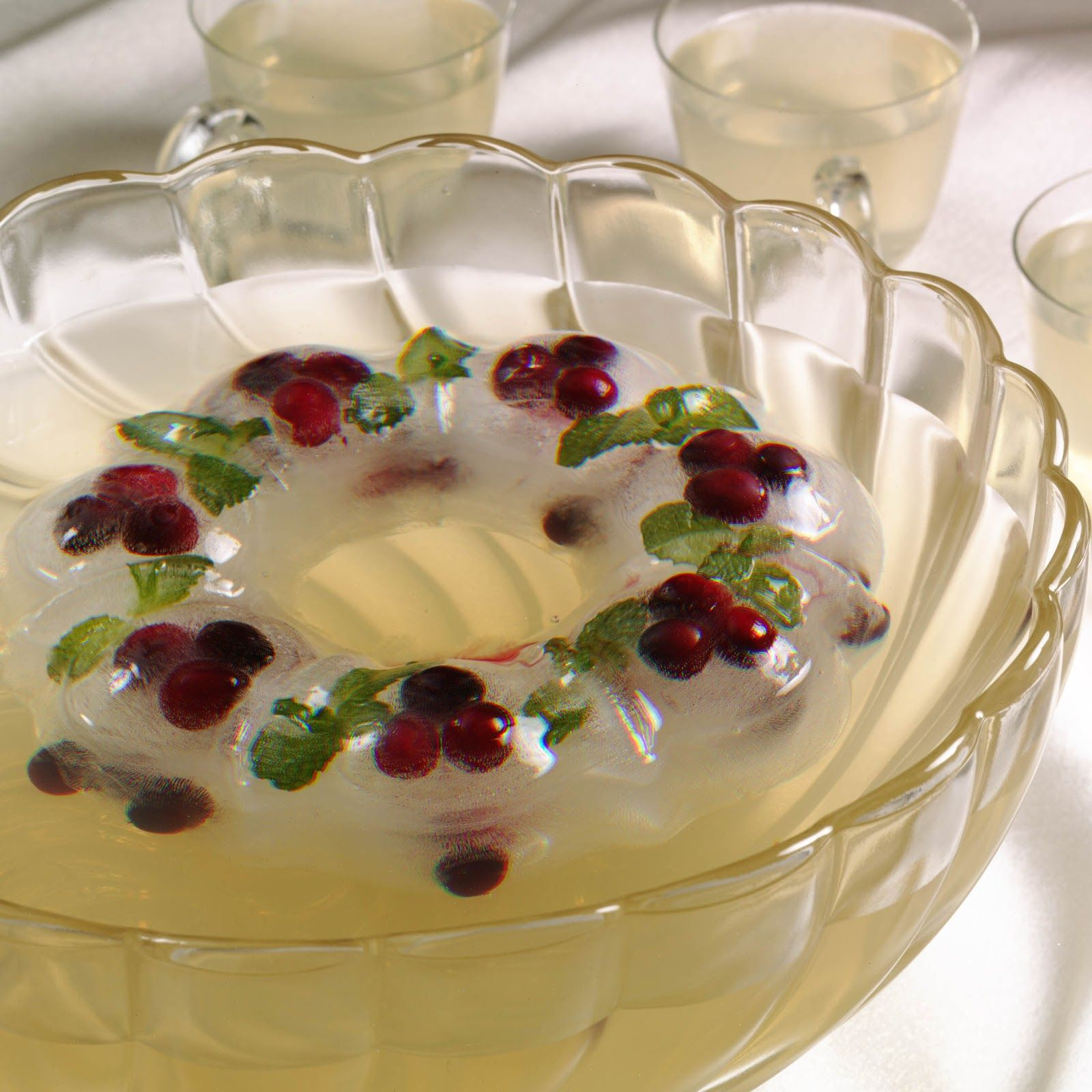 Cranberry Christmas Punch For Holiday Parties (with Frozen