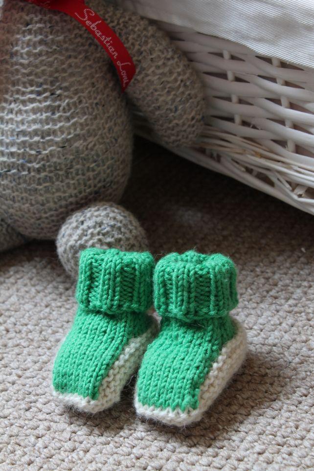KNITTING PATTERN - Newborn Basic Baby Booties £0.75