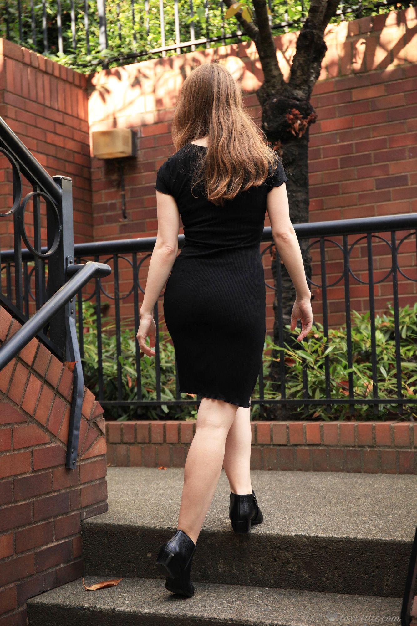 Black Mini Dress And Ankle Boots Aritzia Tna Inland Dress With Sam Edelman Petty Chelsea A Fashion For Petite Women Fashion Autumn Fashion Women Fall Outfits [ 2000 x 1333 Pixel ]