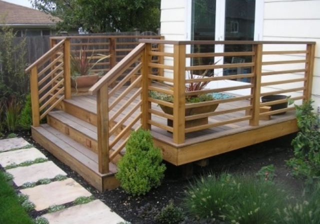 Deck Railing With Horizontal Wood Rails Railings Privacy