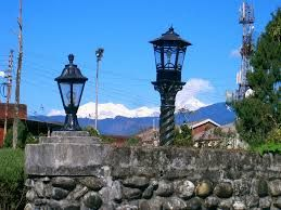 Explore Kalimpong tour packages with travel guide. Visit the all tourist places in Kalimpong India because we are offering budget hotels for your stay.