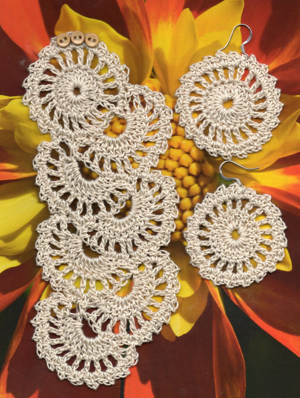Ravelry: Antique Lace Crochet Bracelet and Earring Set by Spider Mambo... Free pattern!
